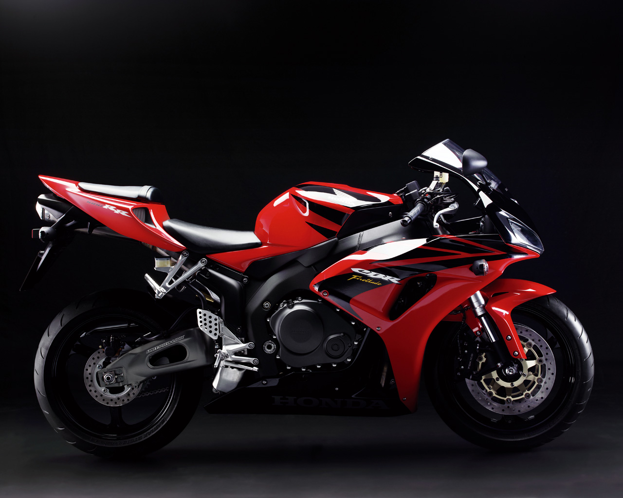 honda cbr1000rr freebikereviews. Black Bedroom Furniture Sets. Home Design Ideas